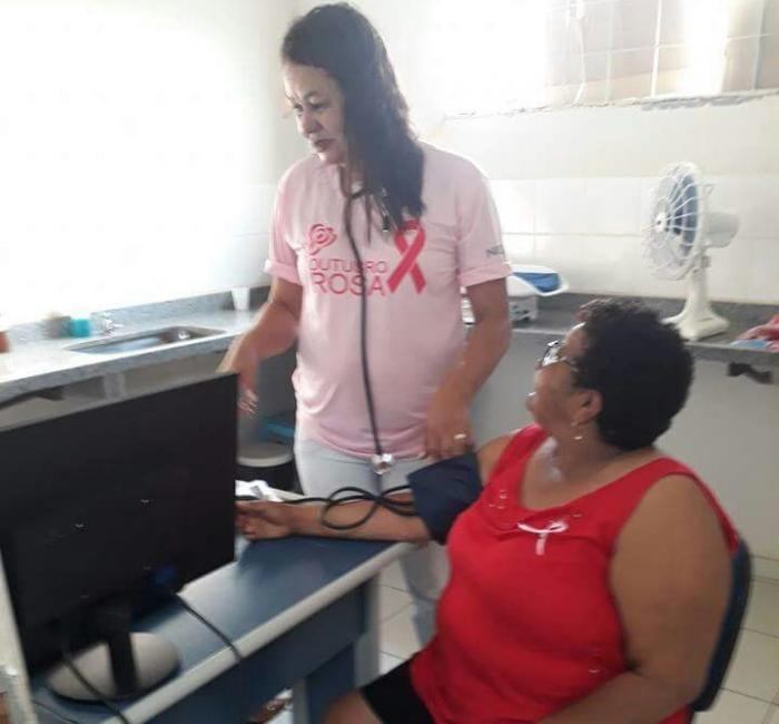 Secretaria de Saúde realiza atividade em alusão ao Outubro Rosa
