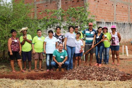 O curso de Horta Caseira é realizado pelo Senar em Corguinho