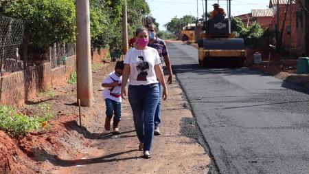 As ruas da Vila Mathias de Souza começa a receber massa asfáltica