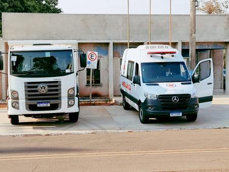Prefeitura realiza entrega de caminhão e ambulância adquiridos com recursos próprios